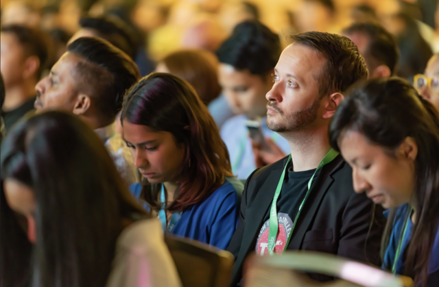 audience listens attentively at the hubspot conference